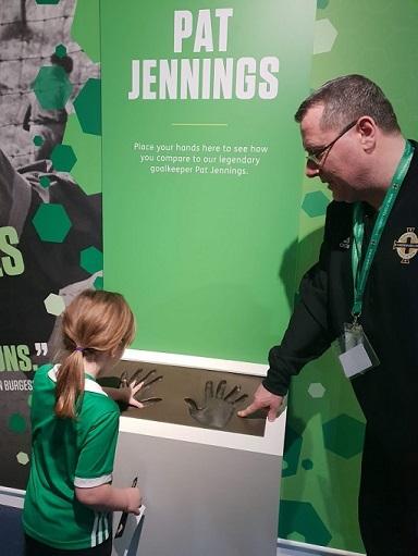 Pat Jennings hands